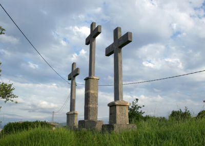 3 Cruces